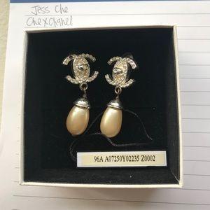 Vintage Chanel Clip On Earrings Pearl